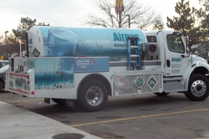 Truck with Carbon dioxide refrigerated liquid