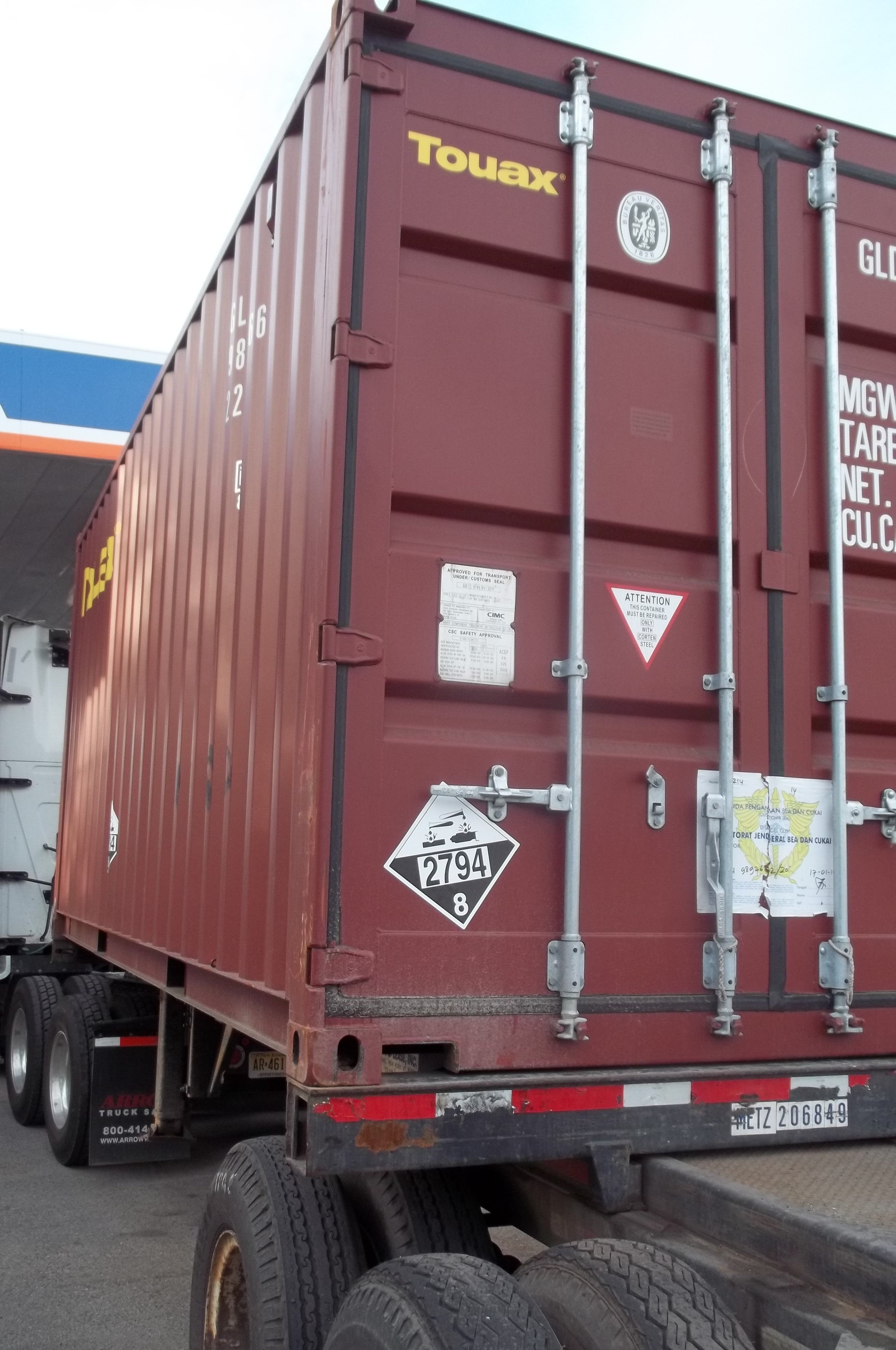Bulk Packaging for HazMat Explained! - Daniels Training Services